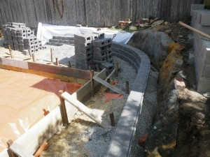 131119-2 Building retaining wall