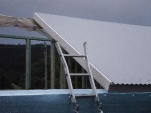 Dec 16, 2013: installing the roof panels.