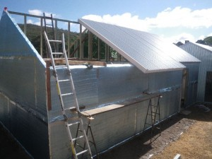 Dec 17, 2013: installing the roof panels.