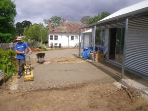 Jan 21, 2014: Preparing the front patio for paving.
