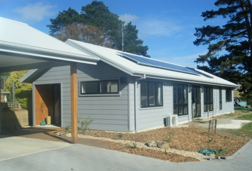 Glenn and Lee Robinson's affordable, energy positive home in Bundanoon, NSW.