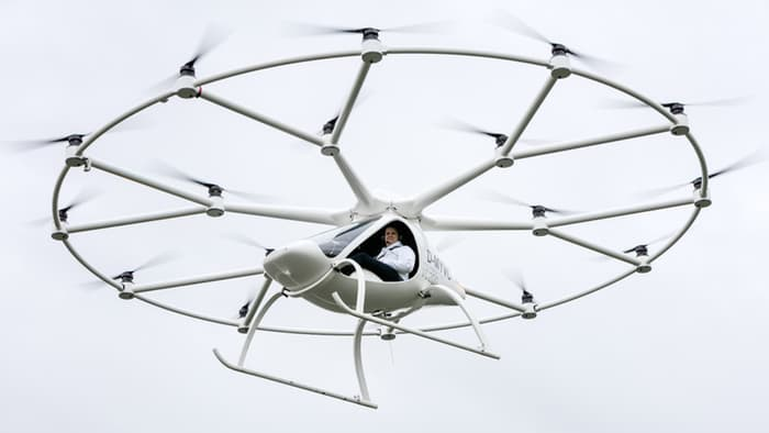 The maiden flight of the Volocopter (Source: Gizmag)
