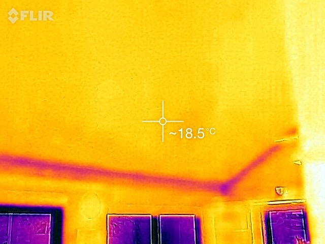 01 Greeny Flat ceiling