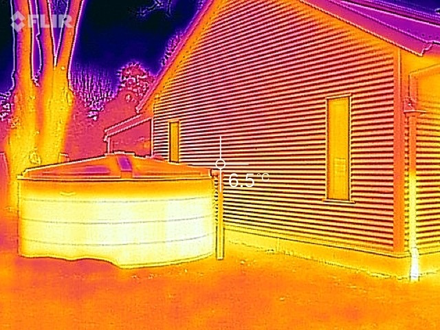 IR image showing the level of water in a rainwater tank.