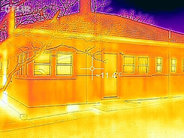 IR image of the old fibro cottage next to the Greeny Flat.