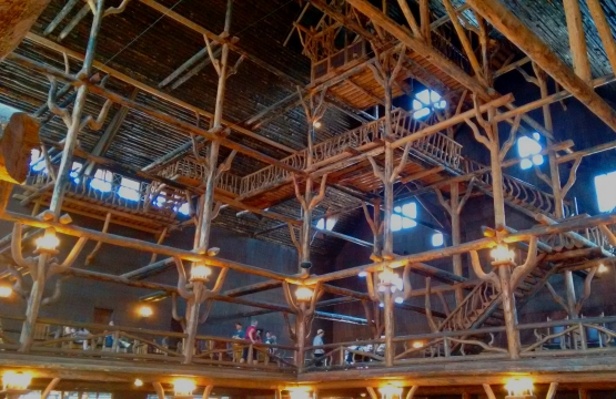 The six-storey atrium of the Old Faithful Inn