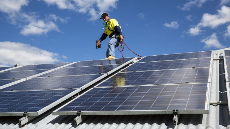 Rooftop solar goes gangbusters in 2017. (Source: Domain)