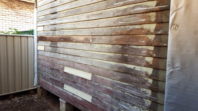 We did some repairs to the old weatherboard cladding on the south and east walls ready for scraping, sanding and painting.