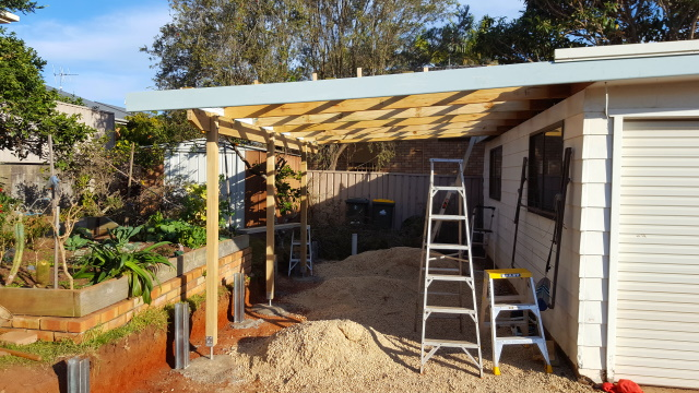 Building the frame for the carport ready for roofing.